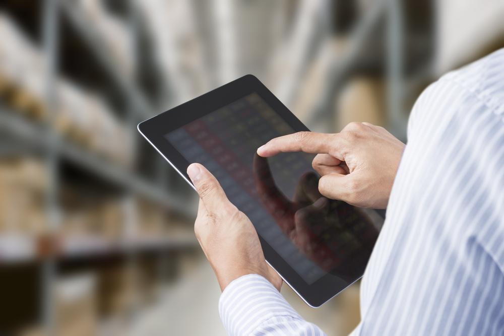 Špatně vedený sklad je časovaná bomba: zjistěte, proč a kdy přejít na elektronické skladové hospodářství