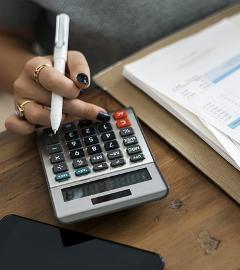 Pletete si daňového poradce s účetním? Může vás to vyjít dost draho