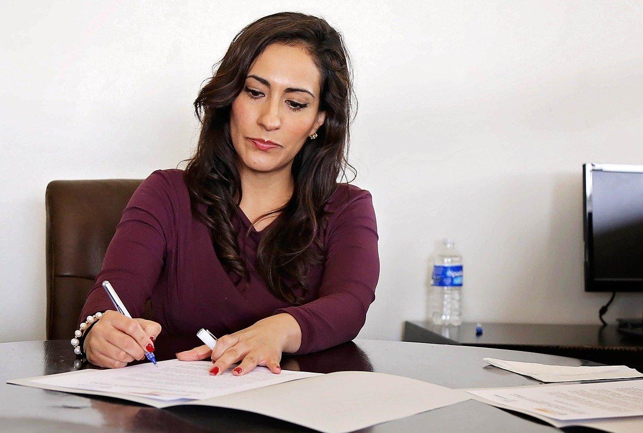 Podnikatelé mohou podat daňové přiznání a zaplatit daň z příjmu až do 1. července 2021.