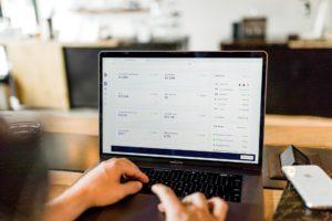 Kdy si vystačíte s fakturací v e-shopu a kdy už potřebujete účetní systém